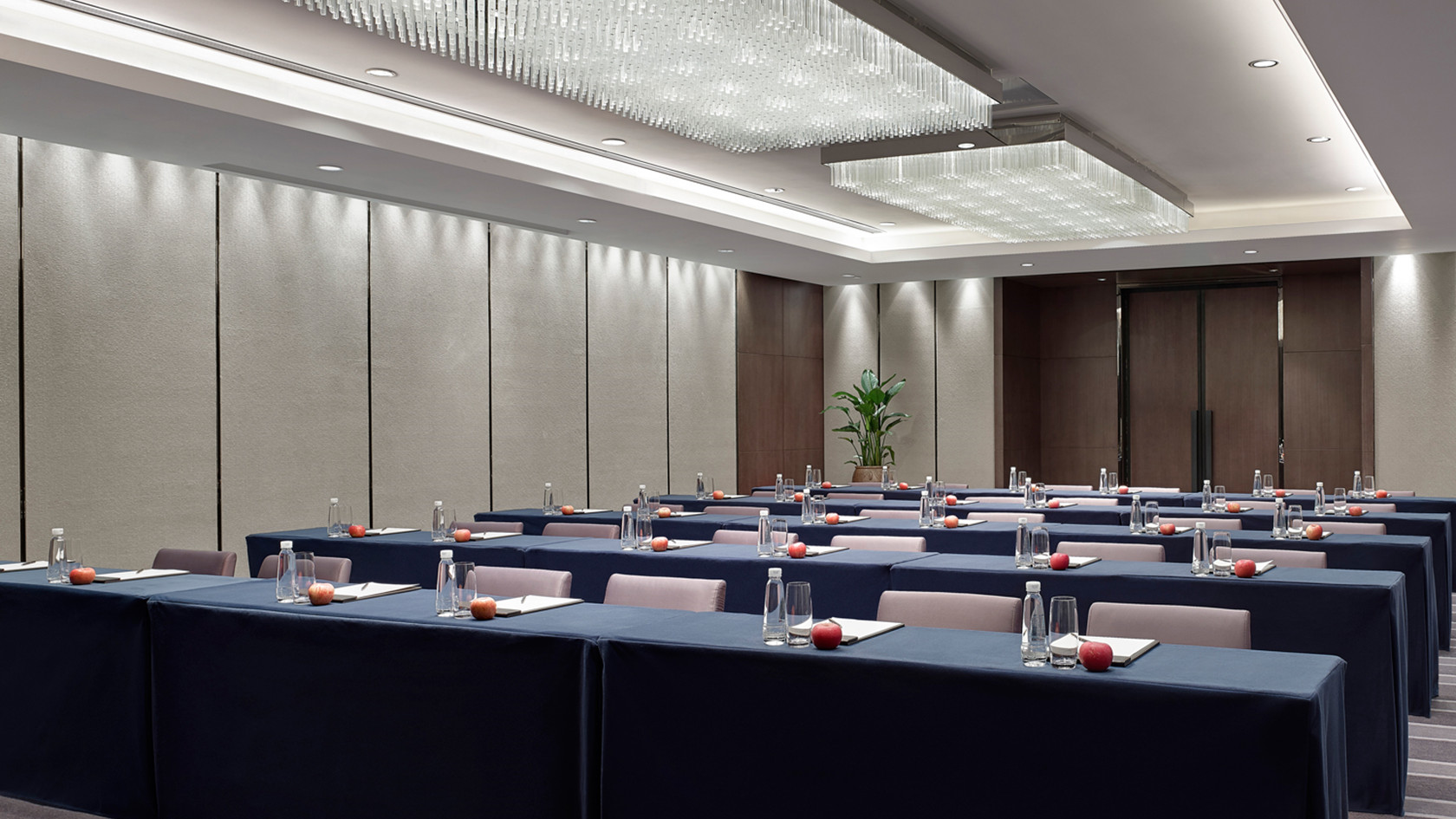 What you need to know about function room for hire before you choose?